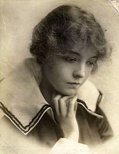 Miss Lilian Gish,  Star