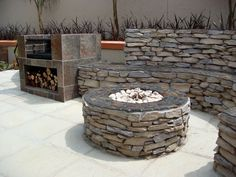 Love the idea of a round braai..very cosy.