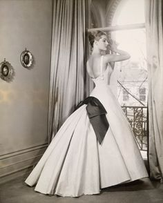 1954 (There was Jennifer, a lovely ghost in silver-white...and her head turned…