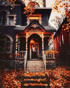 This house, taken by mpthecomebackid🖤😱🎃 - Traumhaus Exterior Design, Interior And Exterior, Future House, My House, Beautiful Homes, Beautiful Places, Sweet Home, Cabin In The Woods, Autumn Aesthetic