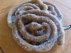 CATTAS SARDE (CARNEVALE)  CLICCA QUI PER LA RICETTA http://www.loscrignodelbuongusto.com/altre-ricette/ricette-delle-feste/631-cattas-sarde-carnevale.html