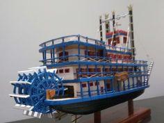 Siempre me apasionó la náutica y como obviamente no puedo coleccionar navíos en tamaño real, me dedico a construirlos a escala, con madera balsa, algunas herramientas sencillas, un poco de habilidad y paciencia. La idea, en la medida de lo posible,...