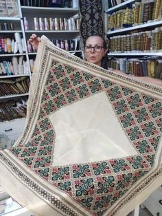 Bed Design, Cross Stitch Embroidery, Quilts, Rugs, Centre, Punto De Cruz, Dots, Patterns, Needlepoint