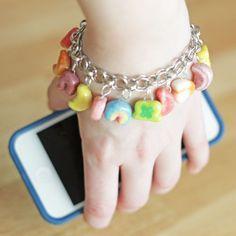 St Patrick craft: Lucky Charms bracelet #CharmBracelets