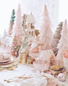 Pink Christmas Table Decorations: A Pink Wonderland Dinner - The Pink Dream Vintage Pink Christmas, Pink Christmas Tree, Noel Christmas, Beautiful Christmas, Simple Christmas, Silver Christmas, Christmas Gingerbread, Christmas Ideas, Gingerbread Houses