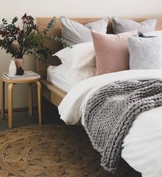 48 Amazing Winter Bedding Ideas To Get A Cozy Bedroom Ikea Bedroom, Cozy Bedroom, Bedroom Inspo, Bedroom Furniture, Bedroom Ideas, Master Bedroom, Bedroom Designs, Budget Bedroom, White Bedroom