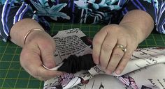Origami Bag Tutorial: Easy to Make Market Tote Bag - Alanda Craft Small Sewing Projects, Sewing Projects For Beginners, Easy Tote Bag Pattern Free, Origami Tote Bag, Messenger Bag Patterns, Diy Bags Patterns, Japanese Knot Bag, Fabric Origami, Diy Bags Purses