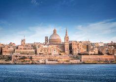 Malta ist der kleinste Mitgliedsstaat der EU. Bei Sonne, Kunst und Religion ist er ganz groß. Erzpriester Anthony Cassar und das InterContinental Malta zeigen beim Insider-Erlebnis für Gäste des Luxushotels wo.