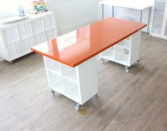 You are going to love this Craft Room Desk DIY and it will clear up your clutter no end. There is so much storage and we have a video to show you how You are going to love this Craft Room Desk DIY and it will clear up your clutter no end. Craft Room Desk, Craft Room Tables, Craft Room Storage, Diy Desk, Craft Organization, Craft Rooms, Diy Table, Diy Sewing Table, Craft Space
