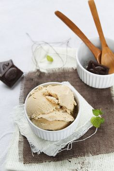 Coffee frozen yogurt