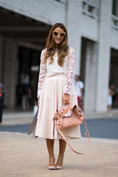 Blogger Tamara Kalinic of the Glam and Glitter wearing a Zara lace sleeve top top and H full skirt with a Mulberry bag and Valentino Rockstud pumps #StreetStyle