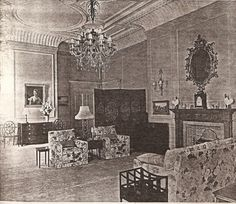 This is the Queen's sitting room at Clarence house from when she lived there as Princess Elizabeth before her accession Princess Elizabeth, Princess Margaret, Elizabeth Ii, Anne Of Cleves, Anne Boleyn, Mary I, Queen Mary, Bedroom Sitting Room, Master Bedroom