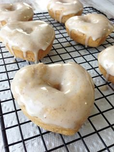 Skinny Baked Vanilla Bean Donuts - Under 120 Calories in one donut and easy to make