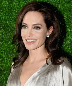Here's your daily reminder that Angelina Jolie is completely stunning.