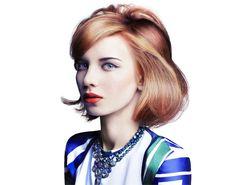 Voglia di cambiare look? In questo periodo dell'anno può accadere. Perché non cominciare dai capelli? Nuovo taglio, nuovo colore, nuovo styling o anche tutto insieme. Ecco 100 proposte, tutte da scegliere