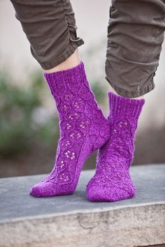 Hourglass Lace Socks - Knitting Daily... my next sock project