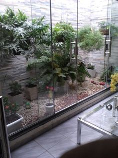 39 Delicate Indoor Garden Design Ideas To Inspire You Everyday - Your garden does not have to be boring inside. I believe many people shy away from an indoor garden is because of their lack of imagination on design. Indoor Garden, Outdoor Gardens, Home And Garden, Balcony Gardening, Internal Courtyard, Little Gardens, Interior Garden, Patio Design, Garden Furniture