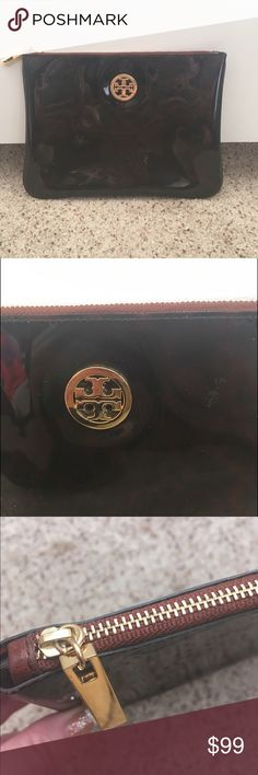 NWOT TBURCH iPad tablet case Tory Burch iPad or tablet case in excellent condition, never used. New without tags.  7744 Tory Burch Bags Mini Bags
