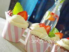 Strawberry - Black Pepper Cup Cakes :))   Sokerimuruja