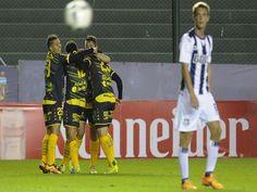 Defensa y Justicia lo superó 2 a 0 a Talleres y lo dejó sin invictos en competencias oficiales de la Asociación del Futbol Argentino
