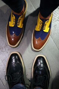 cool shoes... Although I'm not pretty sure about the yellow... The black ones rock!