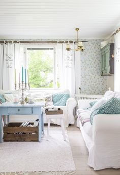 Turquoise Cottage, Home Fashion, Sweet Home, Dining Table, House Styles, Furniture, Home Decor, Houses, Homes