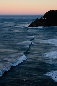 Florence, Oregon Coast can't wait to be there in a couple weeks! Oregon Coast, Pacific Coast, Pacific Northwest, Pacific Ocean, Places To Travel, Places To See, Florence Oregon, All Nature, Am Meer