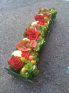 Pin by nyao on アレンジ Centerpiece Decorations, Flower Centerpieces, Flower Decorations, Christmas Decorations, Deco Floral, Arte Floral, Floral Design, Contemporary Flower Arrangements, Small Flower Arrangements