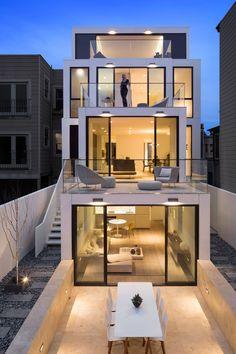 A linverse. Example de ce que la terrasse tu haut pourrait etre: chambre qui donner sur la terrasse du haut.