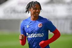 Arsenal, Leeds United and Liverpool are battling to sign Michael Olise and a departure from Reading is 'possible', according to Royals manager Veljko Paunovic (Berkshire... The post 'A possibility': Manager says reported Liverpool and Arsenal target could leave; Bielsa wants him too appeared first on HITC.