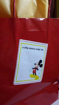MICKEY MAGIC LABELS - Use these fun labels to add some Mickey Magic on your next Disney trip!