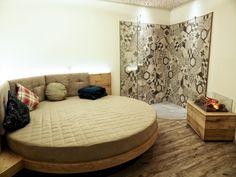 Sieht das nicht kuschelig aus? Spa, Furniture, Home Decor, Decoration Home, Room Decor, Home Furnishings, Home Interior Design, Home Decoration, Interior Design