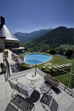 Parador de Vielha Vielha. Spain, Mansions, World, House Styles, Travel, Home Decor, Hotels, Restaurants, Country Cottages