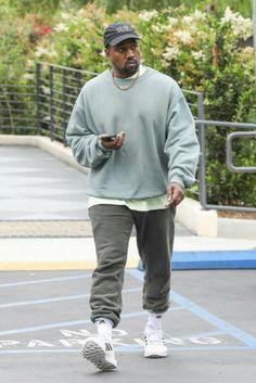 Kanye West Outfits, Kanye West Style, Nude Outfits, Sweatpants Style, Harajuku Fashion, Streetwear Fashion, Street Wear, Mens Fashion, My Style
