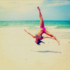 Everything looks cool on a beach Summer Of Love, Summer Nights, Summer Beach, Summer Vibes, Summer Things, Beach Babe, Summer 2016, Cheerleading, Acro
