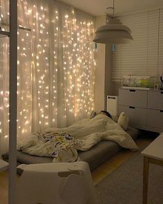 great tips for the original decoration of the student room .- groß Tipps für die originelle Dekoration des Studentenzimmers great Tips for the original decoration of the student room - Warm Bedroom, Diy Bedroom, Girls Bedroom, Bedroom Curtains, Modern Bedroom, Sheer Curtains, Trendy Bedroom, Curtains On Wall, Bedroom Apartment