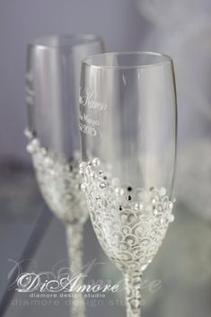 White & Pearls/Personalized Сrystal Wedding Glass/White Lace/Champagne Flutes from Collection Art Deco/Wedding gifts/Classic/Romantic/2pcs/