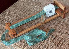 4 Inch Beginners Weaving Loom – Knitting For Beginners Weaving Loom Diy, Tablet Weaving Patterns, Inkle Weaving, Weaving Tools, Inkle Loom, Card Weaving, Weaving Textiles, Weaving Projects, Weaving Techniques