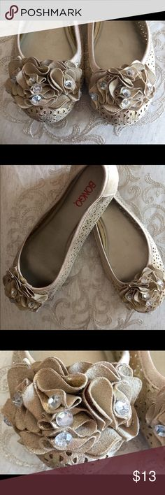 Light Gold Bongo Ruffle Flats Size 7 1/2  Light gold ruffle flats from Bongo. Preowned but good condition. Size 7 1/2. BONGO Shoes Flats & Loafers