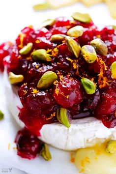 Cranberry Pistachio Baked Brie Recipe : Perfect for the Holidays
