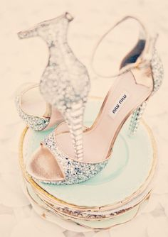 sparkling miu miu wedding shoes | Cinderella wedding | http://theproposalwedding.blogspot.it/ #cinderella #wedding #cenerentola #matrimonio #princess #disney #fairytale