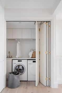 Hidden laundries are perfect examples of how to take advantage of space in small interiors. Laundry Bathroom Combo, Laundry Cupboard, Laundry Room Shelves, Laundry Room Layouts, Laundry Room Remodel, Laundry Closet, Cupboard Doors, Hidden Laundry Rooms, Modern Laundry Rooms