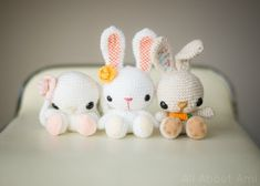 Nothing says spring like a kawaii amigurumi bunny! These bunnies are the perfect addition to a handmade Easter basket or a special gift. Easter Crochet, Crochet Bunny, Free Crochet, Simple Crochet, Easy Crochet Patterns, Amigurumi Patterns, Amigurumi Doll, Crochet Ideas, Spring