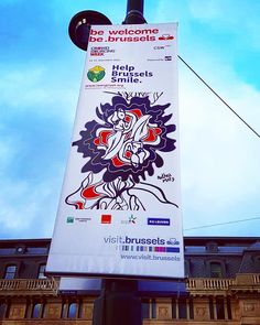 Feeling like a Brussels' ambassador of happiness/ Many banners with my art invaded the streets of Brussels : Place Polaert Louise Petit Sablon Mont des Arts... Original initiative curated by Crowdsourcing week  visit Brussels and sprout to be Brussels. I will attend the crowdsourcing week that will highlight the initiatives in which  users become active creators of a service especially in the new economy with a module about street art ! Big thanks to @drooptor who chased the banners all the…