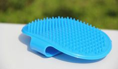Soft Rubber Dog Bath Brush Combs Cleaning Massage Grooming Glove Bath Brush Pet Dog Cat Body Hair Wash Tools (Blue) * More info could be found at the image url. (This is an affiliate link and I receive a commission for the sales) Puppy Grooming, Dog Grooming Supplies, Pet Puppy, Dog Cat, Cat Body, Bath Brushes, Dog Modeling, Dog Agility, Pet Accessories