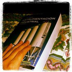 Vamos que se puede¡!!!!! #bookselfieduocuc #diadellibroduocuc #bibliotecasduocuc #instachile #instalike #instafoto