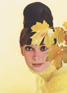 Rare Audrey Hepburn — Audrey Hepburn photographed by Howell Conant, June. Grace Kelly, Divas, Shirley Maclaine, Audrey Hepburn Style, Cecil Beaton, Star Wars, Mellow Yellow, Ballet, Old Hollywood