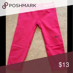Nike Pro capris Gently used condition..they are a medium but fit more like a small Nike Pants Capris