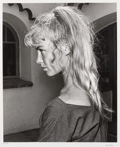 André Villers: Picassos Modell Sylvette David, 1954. Späterer Silbergelatineabzug, 49,6 x 41 cm auf 58 x 47,7 cm; Kunsthalle Bremen – Der Kunstverein in Bremen, Kupferstichkabinett. © VG Bild-Kunst, Bonn 2014