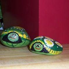 paint turtle rocks